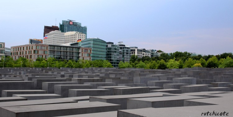 Panoramica-memorial-a-los-judios-berlin